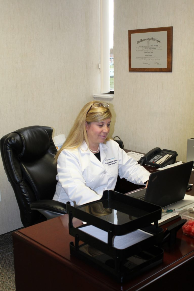 Dr. Nadine Jennings